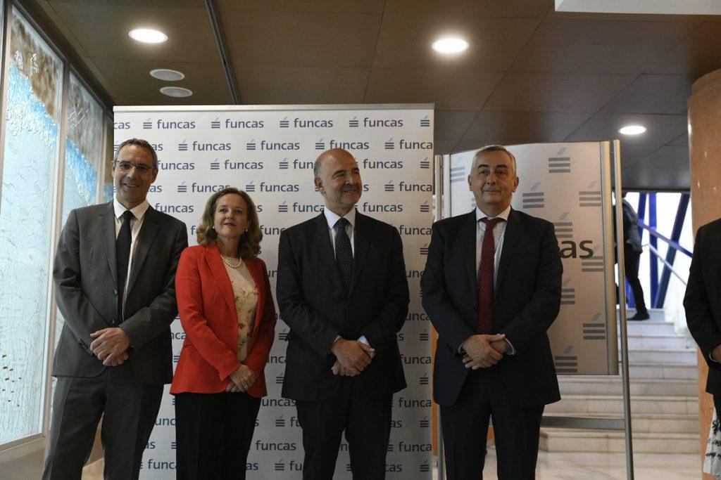 Moscovici dice que Bruselas concluirá los trabajos sobre fiscalidad digital antes de final de año
