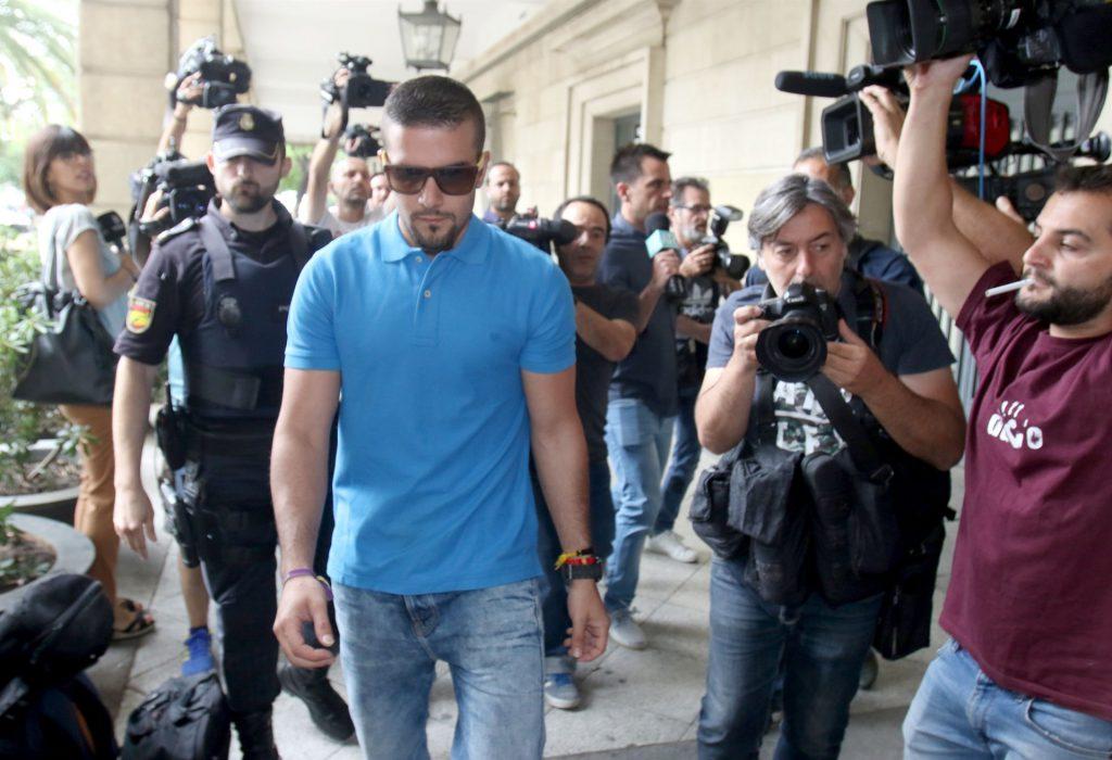 El juez procesa a Ángel Boza, integrante de La Manada, por robo con violencia de unas gafas