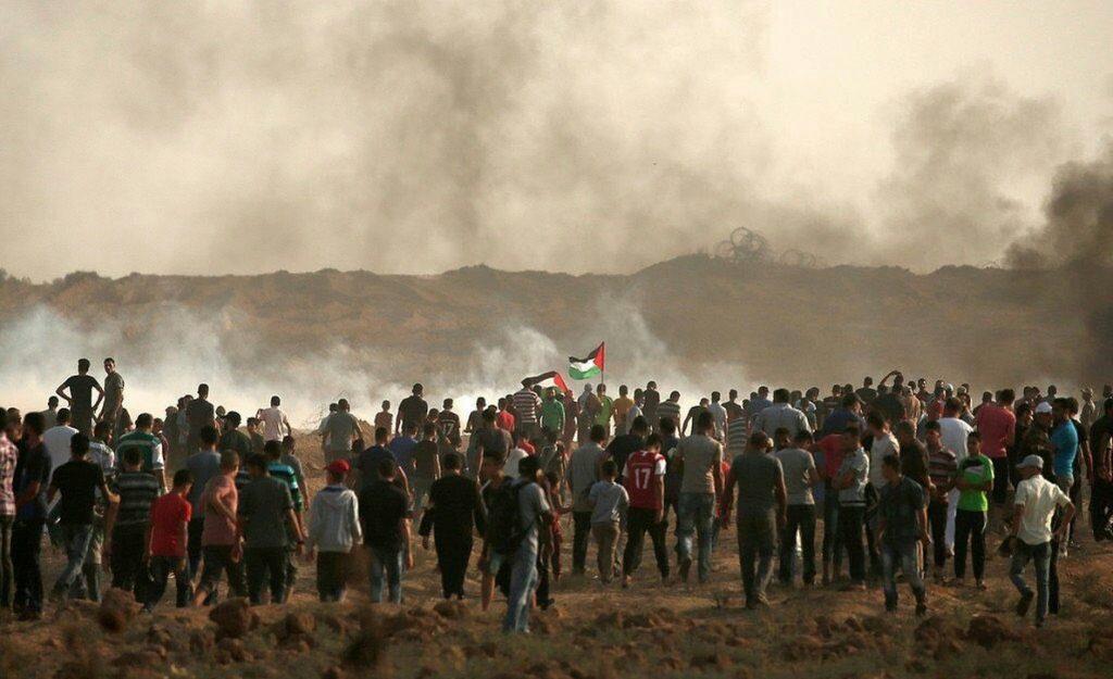 Un muerto y más de 200 heridos por la represión israelí contra protestas en Gaza