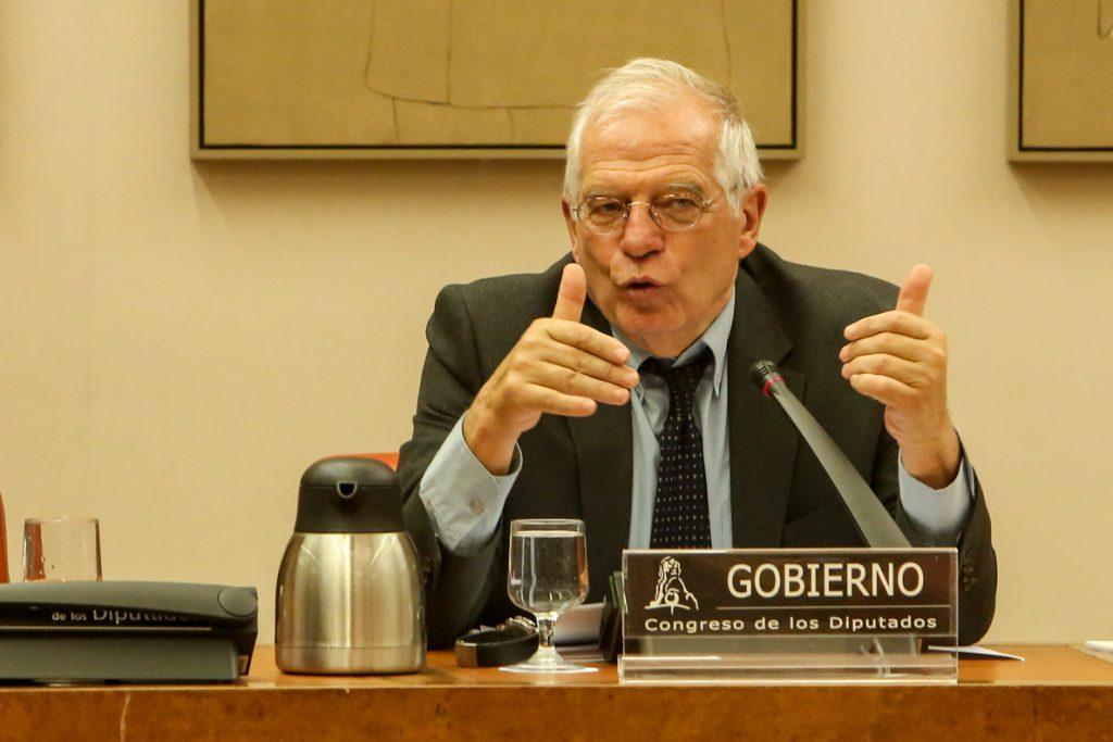 Borrell anuncia que Grecia cesará a su cónsul honorario en Barcelona por «agravios» a la bandera española