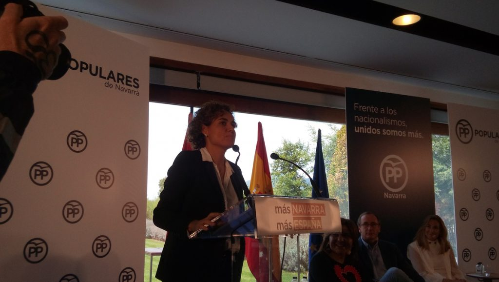 Dolors Montserrat acusa a Sánchez de «pactar con aquellos que quiere romper España» para mantenerse en el Gobierno