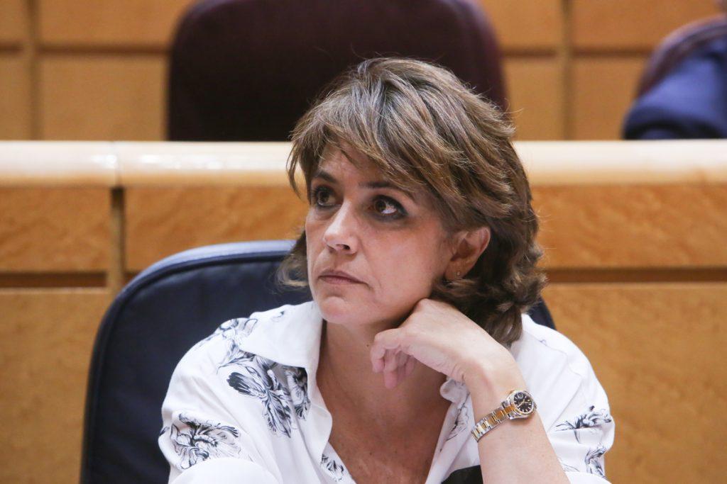 Delgado censura que PP cuestione al Gobierno por el 'procés' cuando Cosidó asegura en un mensaje el control del tribunal