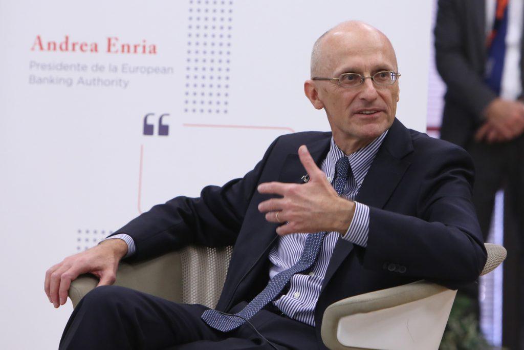 La Eurocámara da un visto bueno preliminar al italiano Enria como jefe de supervisión bancaria del BCE