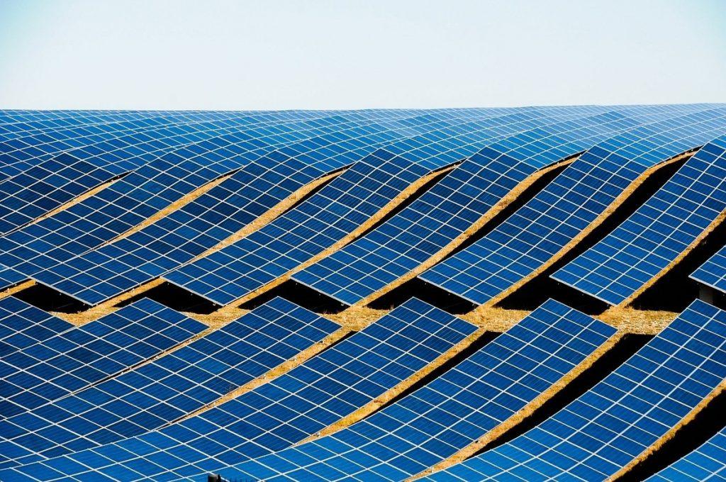 Solarpack debutará en Bolsa el 5 de diciembre con una valoración de entre 260 y 306 millones de euros