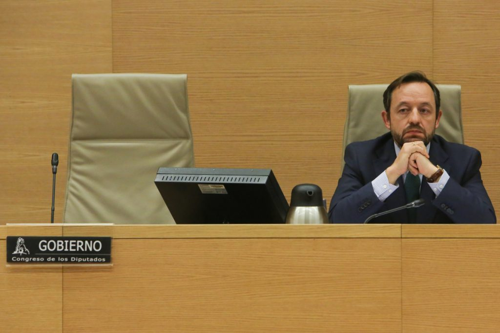 El Congreso censura la tardanza de Montero en explicar sus planes de Presupuestos