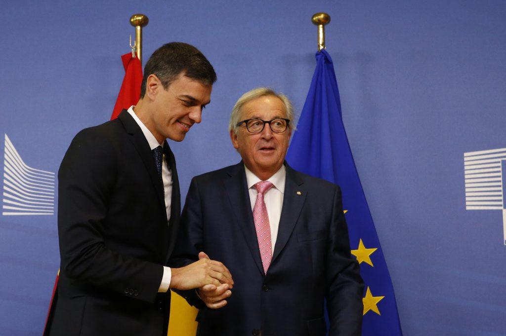 Bruselas repite su advertencia por los altos niveles de deuda y desempleo en España