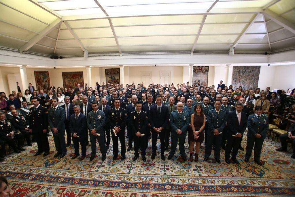 Sánchez preside la entrega de condecoraciones a los miembros de Seguridad de Presidencia del Gobierno