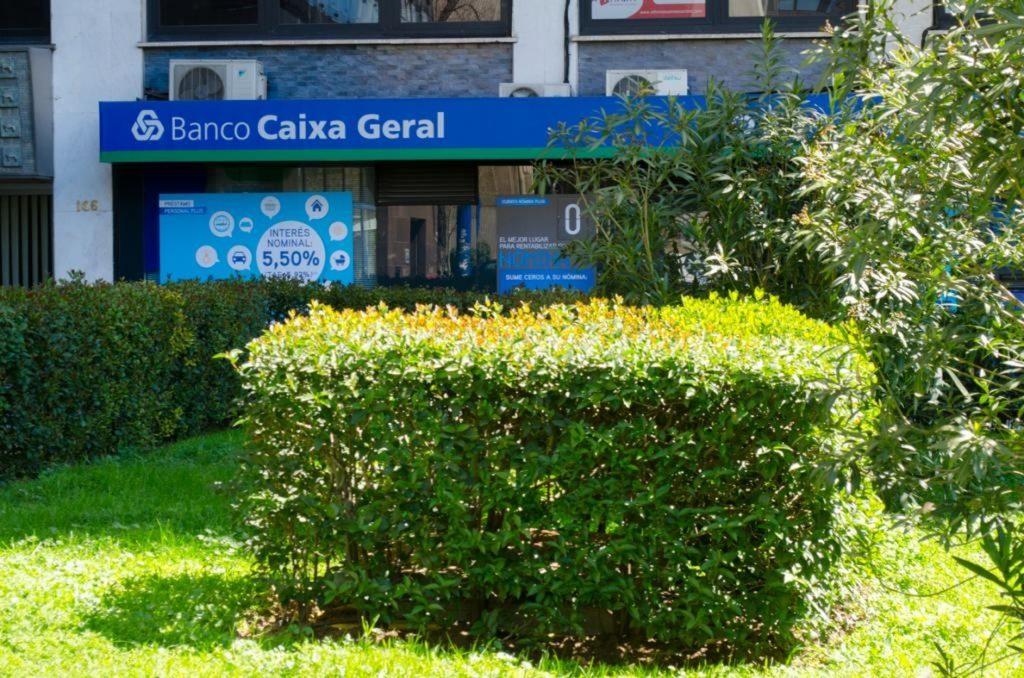Economía/Finanzas-. Abanca se adjudica la filial española de Caixa Geral de Depósitos