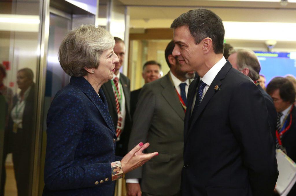 España pide garantías por escrito a servicios jurídicos de UE sobre Gibraltar para no vetar acuerdo del Brexit