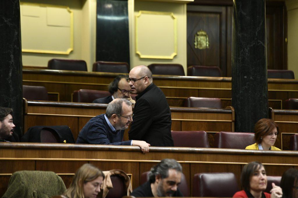Jordi Salvador niega ante Ana Pastor el escupitajo a Borrell y coincide en la necesidad de rebajar la tensión