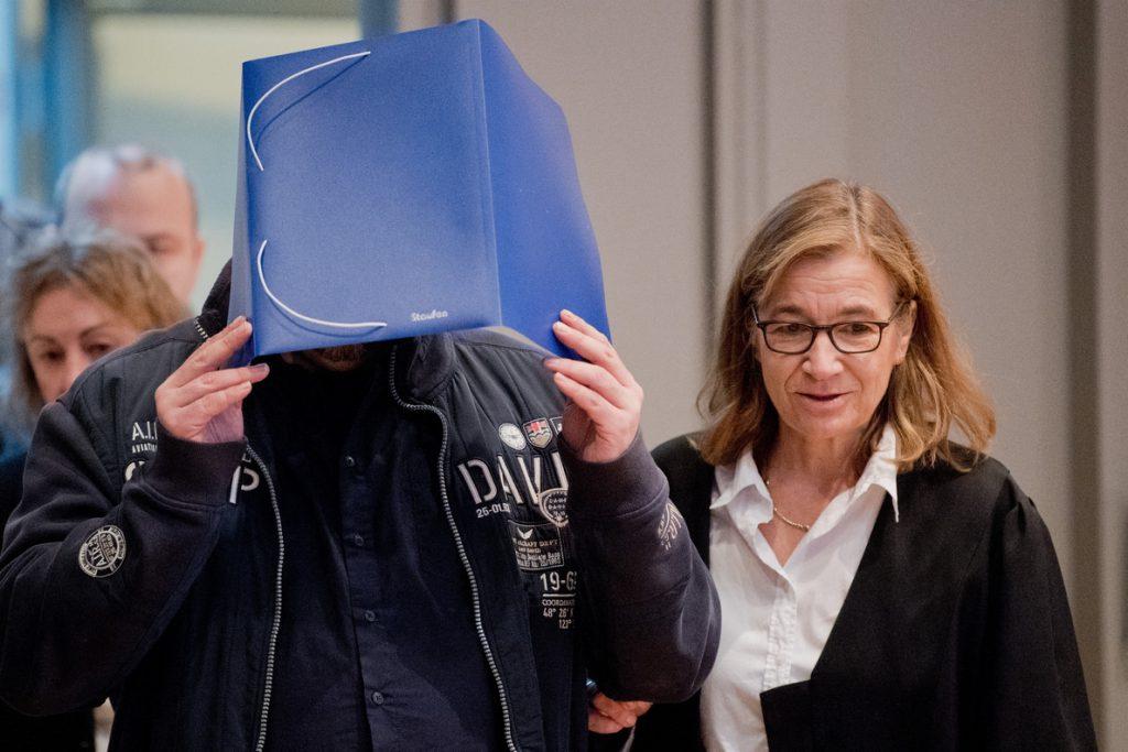 El enfermero acusado de matar a cien pacientes en Alemania se disculpa ante los familiares de las víctimas