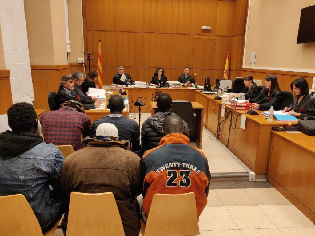 El portavoz de manteros de Barcelona niega que integrara una organización de falsificadores