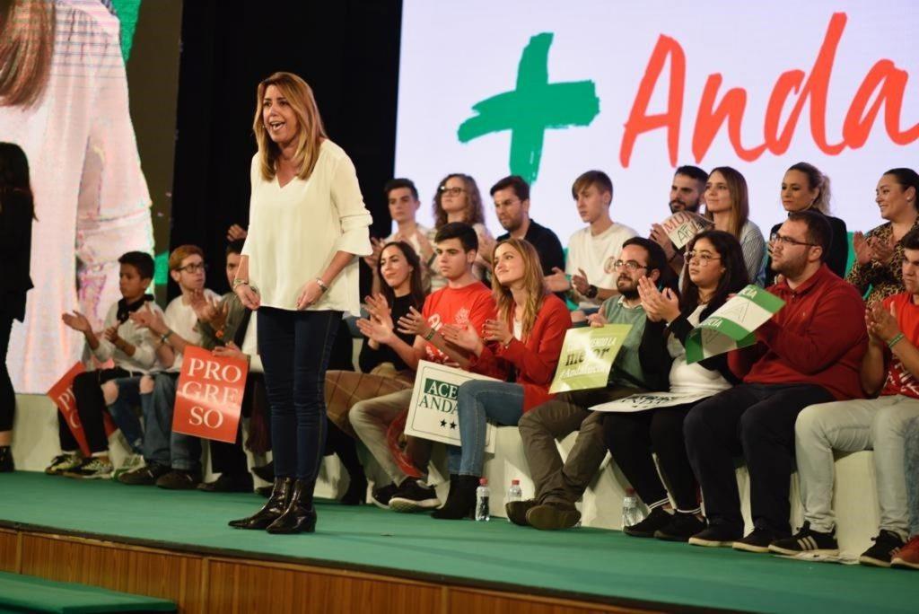 Susana Díaz: Los demás partidos «asumen que PSOE-A es el partido de Andalucía» y luchan por el «segundo puesto»