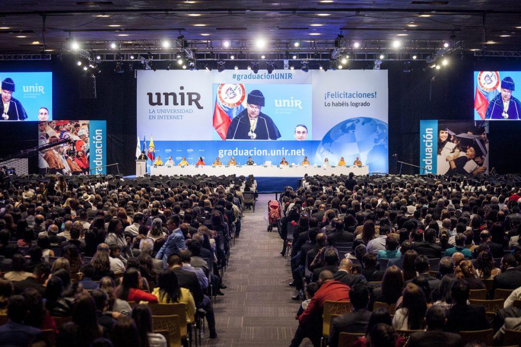 La gran familia colombiana de UNIR aumenta con nuevos graduados