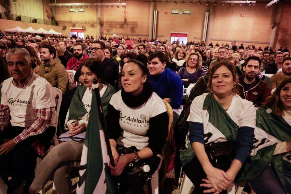 Más de 3.000 personas en el primer acto de Iglesias y Garzón en la campaña de Adelante Andalucía