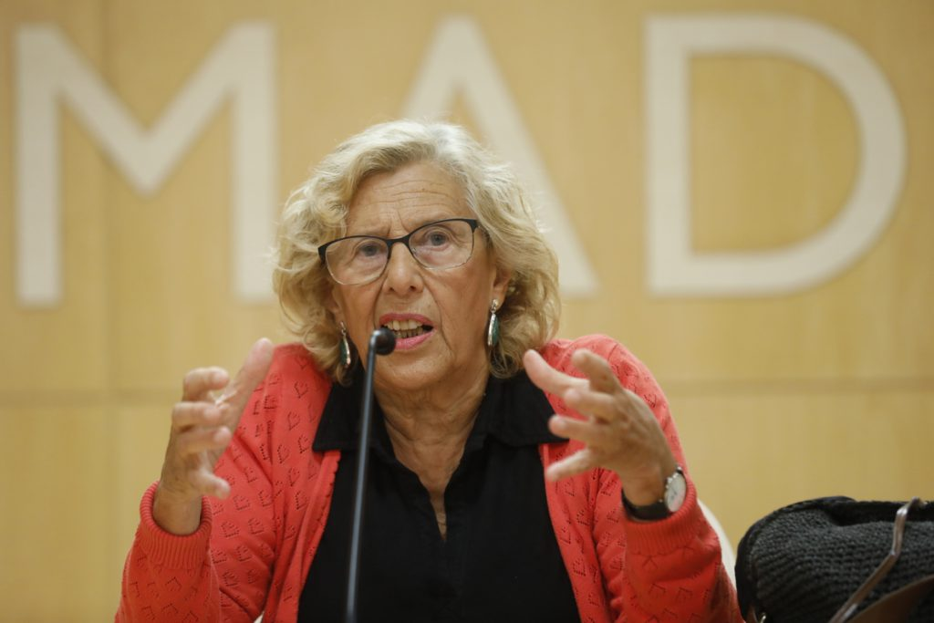 Carmena abre la posibilidad de concurrir a las municipales como partido instrumental