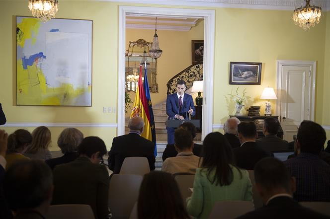Juncker defiende que la solución sobre Gibraltar es «buena» para España y revela que habló con el Rey