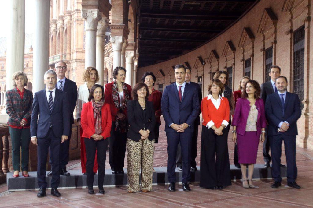 Sánchez aumenta un 12,4 por ciento sus altos cargos con la ampliación de su Gobierno: de 217 a 244
