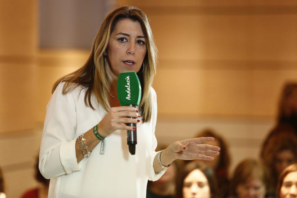 Susana Díaz alerta de que la derecha «asalvajada» que es el PP de Casado está «blanqueando a la extrema derecha»