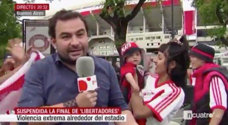 """El corresponsal de Cuatro conecta """"contento"""" en directo en el informativo"""