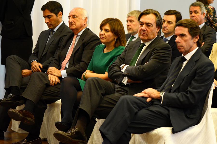 Aznar ve «razonables» las demandas valencianas sobre financiación aunque la reforma del modelo parece «una quimera»