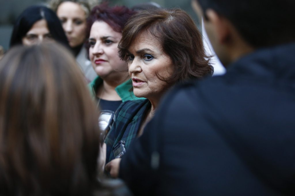 Carmen Calvo dice que Pablo Casado «podría ahorrarse» el discurso «inquietante» sobre inmigración
