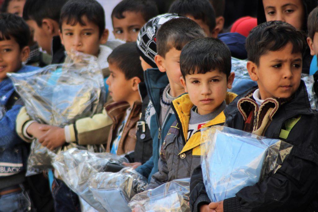 El frío invernal amenaza la vida de casi un millón de niños en Oriente Próximo y el Norte de África