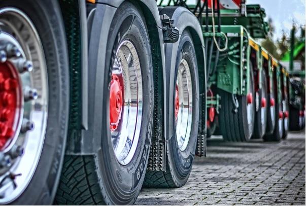 El Black Friday aumenta el alquiler de camiones y de furgonetas