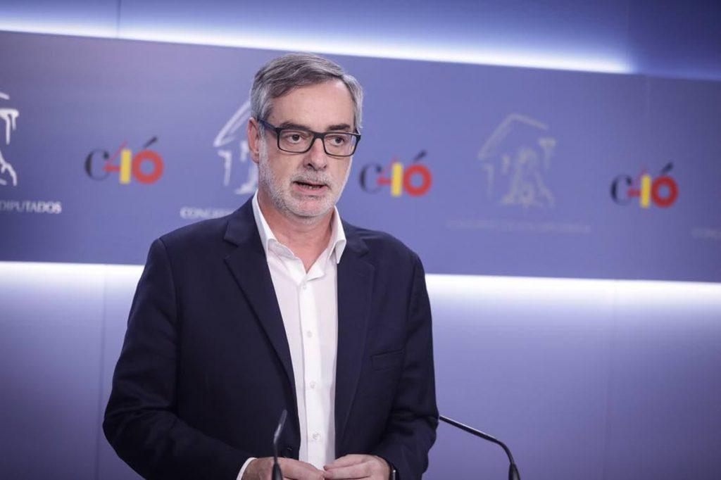 Ciudadanos achaca el «problema de adoctrinamiento» en Cataluña a la «dejación de funciones» de PP y PSOE en 40 años