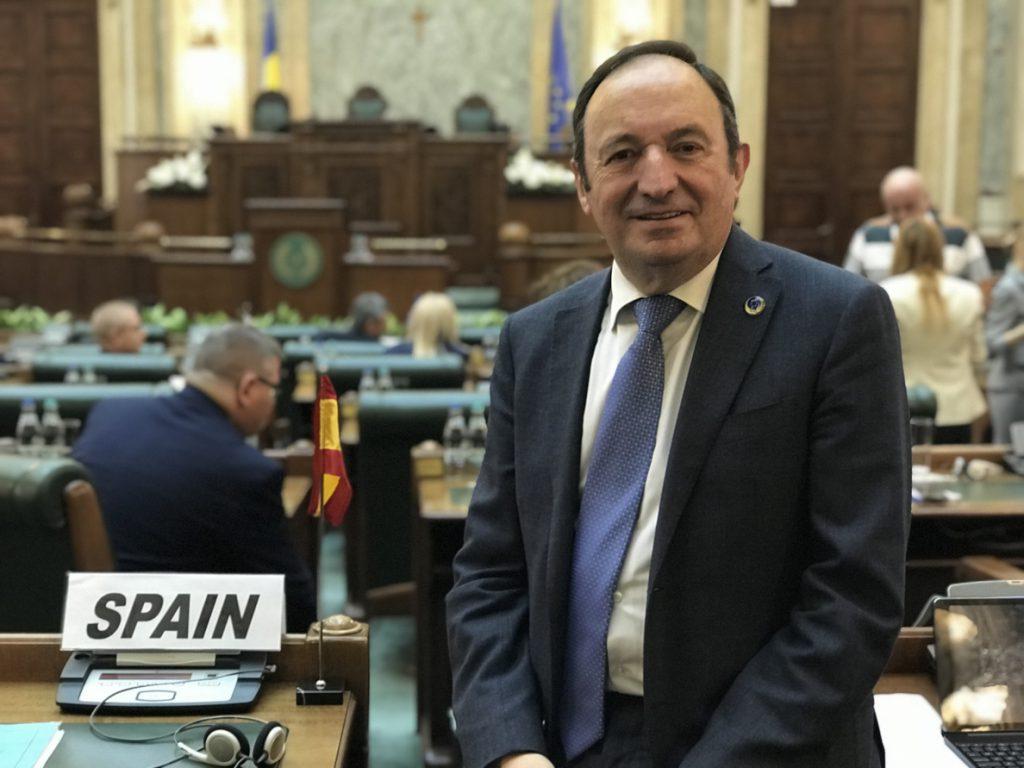 Expresidente de La Rioja defiende que el Estado revise su competencia en educación para «evitar distorsiones»