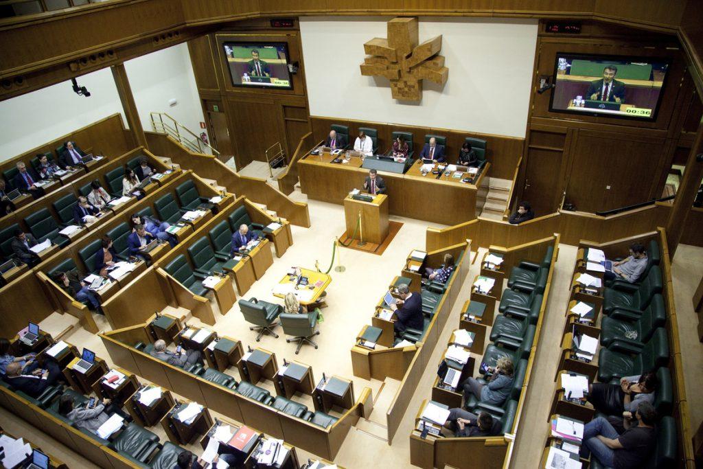 Parlamento Vasco aprobará una declaración para denunciar «la imposición de la Constitución» y pedir el derecho a decidir