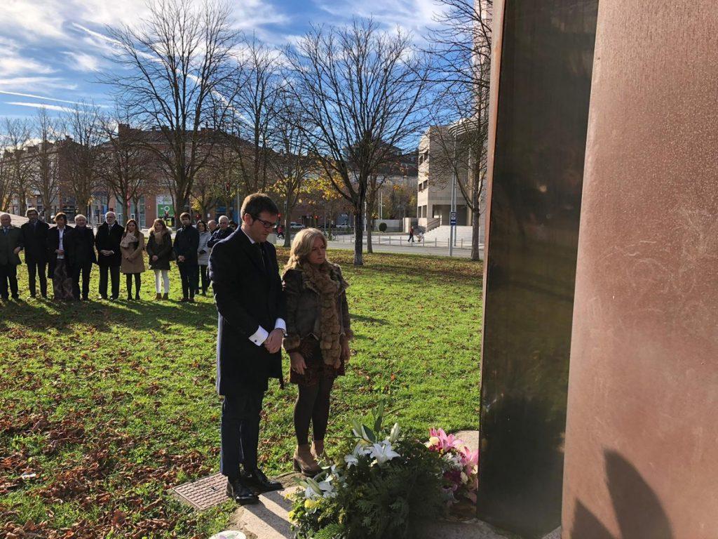 El monumento a las víctimas del terrorismo de Ibarrola en Vitoria añadirá los nombres de asesinados por ETA desde 2001