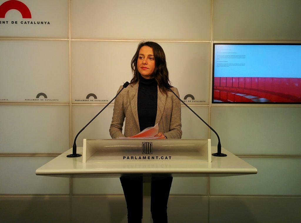 Arrimadas dice que Torra «tiene alergia a los derechos y libertades» de la Constitución