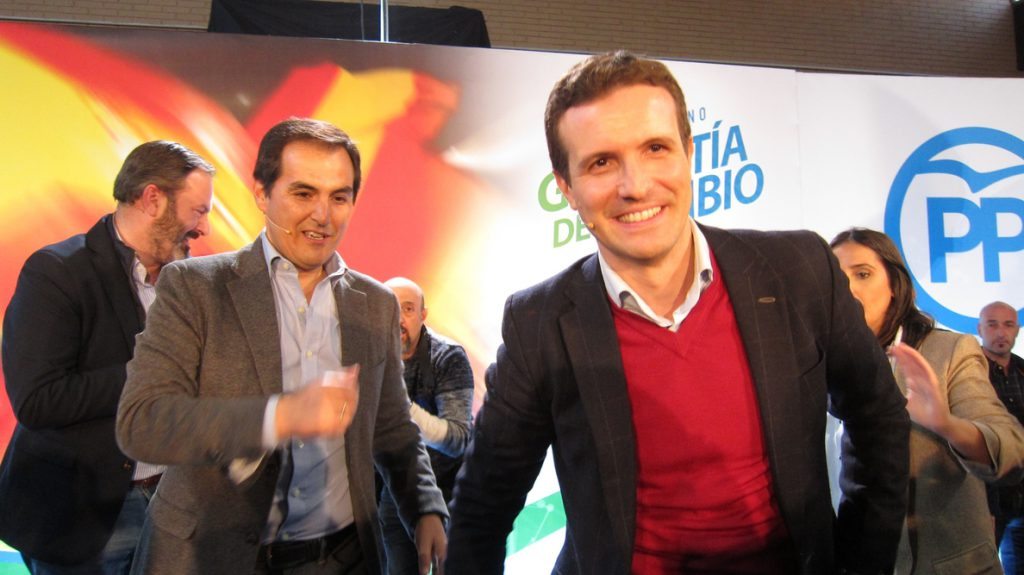 Casado dice Andalucía lo tiene todo y matiza que «solo le falta un gobierno para progresar»
