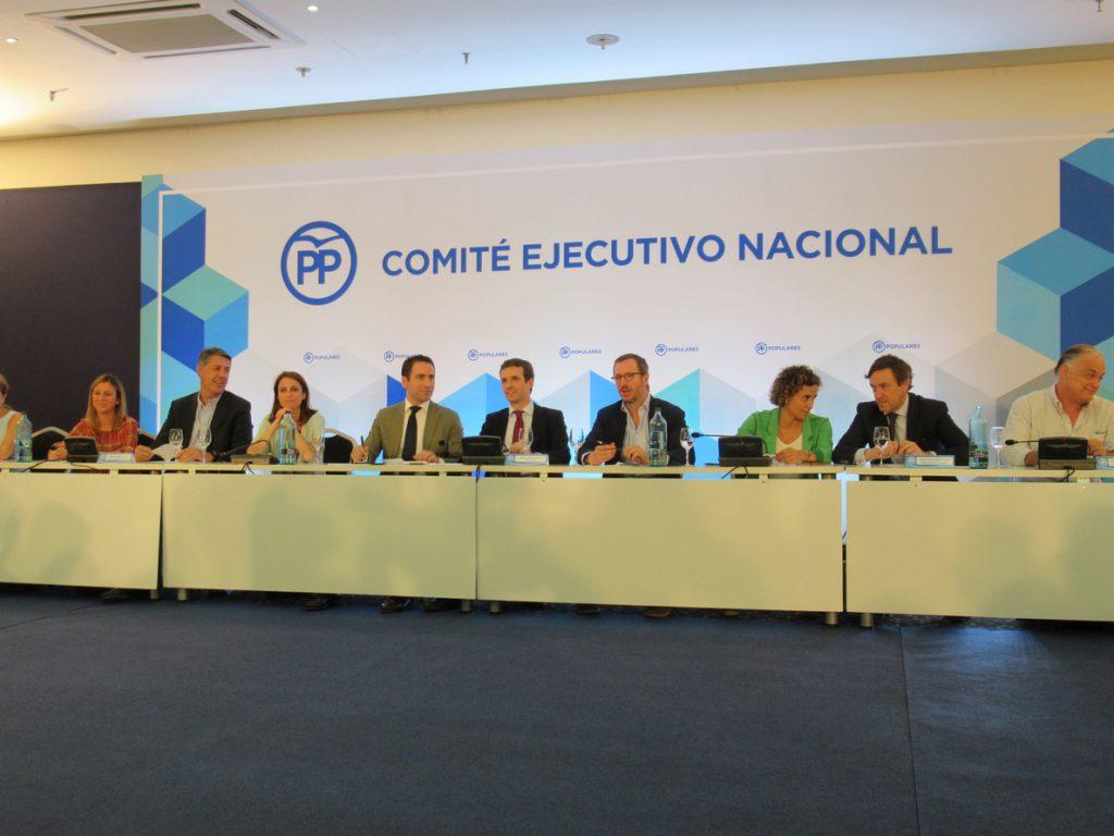 Casado almorzará el lunes con los 'barones' autonómicos del PP tras el Comité Ejecutivo que analizará las andaluzas