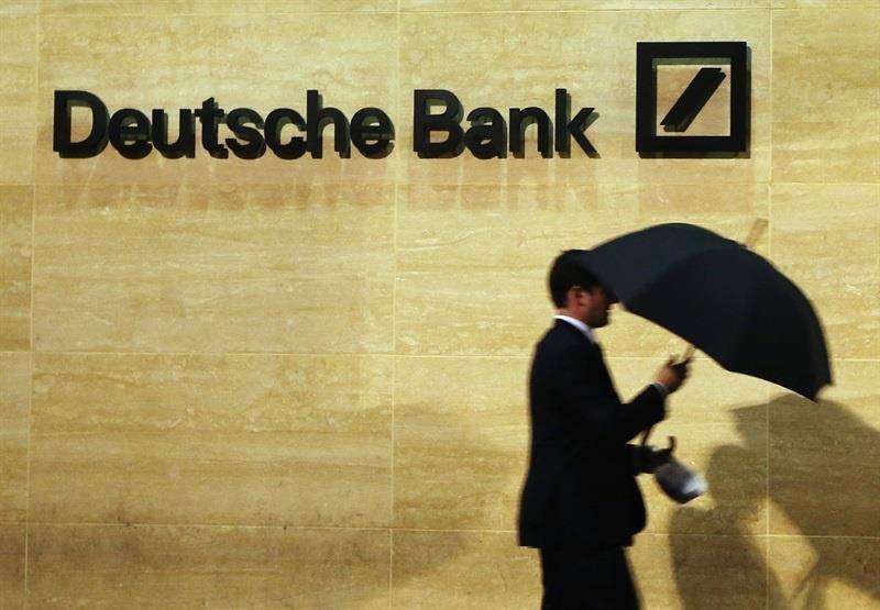Deutsche Bank lidera las caídas del selectivo de la Bolsa alemana en el segundo día del registro a su sede