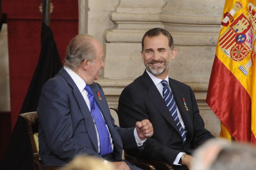 Juan Carlos I asistirá con los Reyes al acto de la Constitución en el Congreso