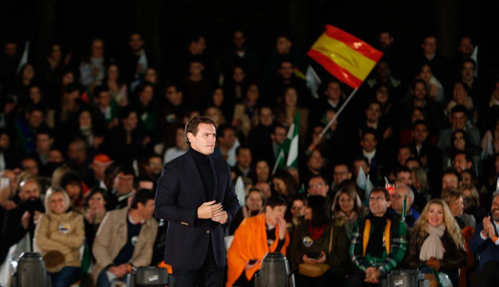 Rivera tiende la mano a votantes del PSOE-A y del PP que están» cansados» de «la corrupción y del conformismo»