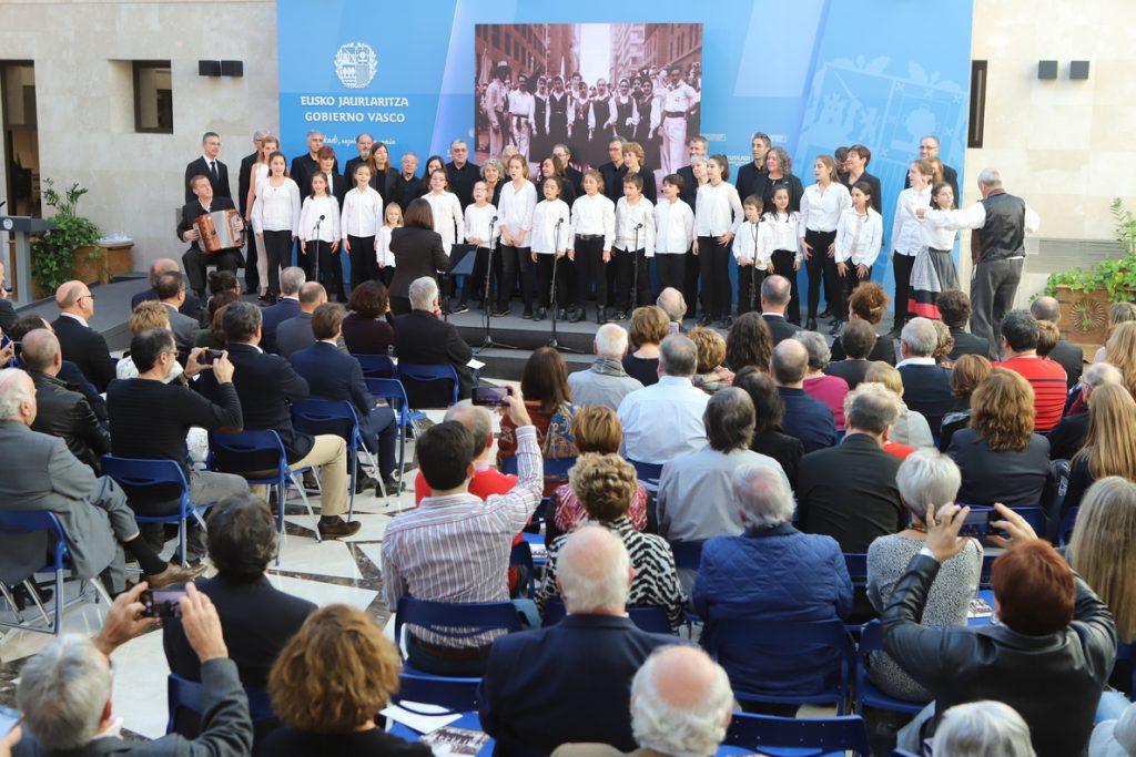 Urkullu reivindica las delegaciones vascas en el exterior y reafirma su compromiso con una Europa «de naciones libres»