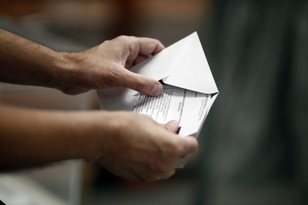 PP, Cs y VOX pueden formar gobierno en Andalucía y el PSOE pierde 14 escaños sin sumar mayoría con Adelante