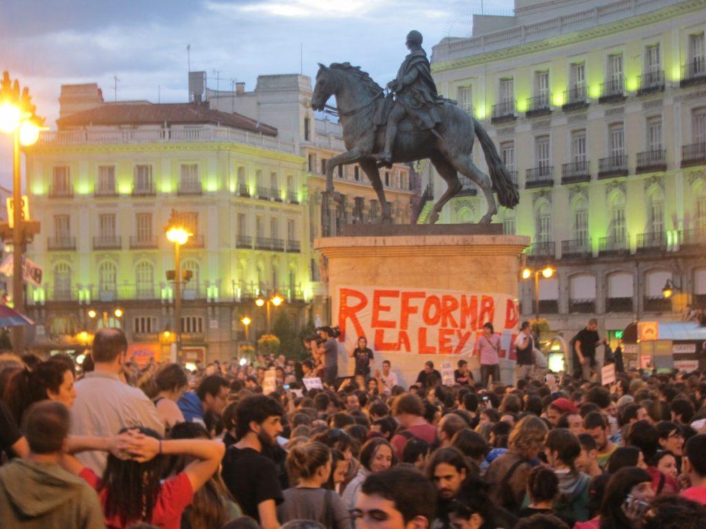 El Ayuntamiento de Madrid no tiene autorización de Patrimonio para instalar una placa del 15M en Sol este martes