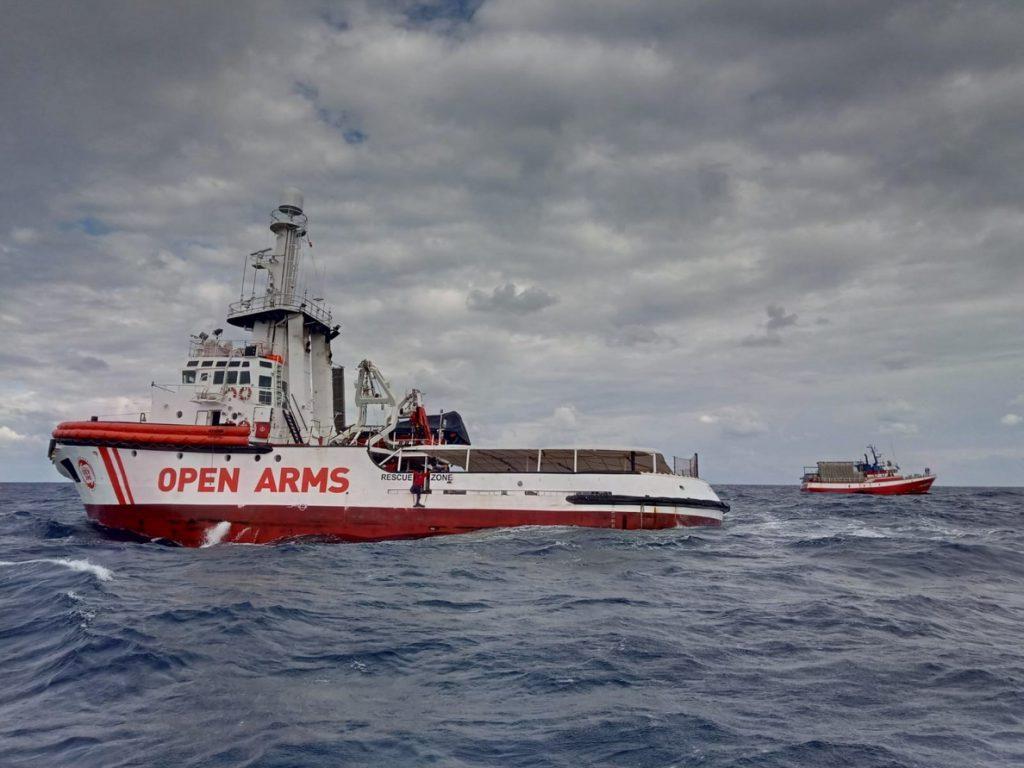 El pesquero 'Nuestra Madre de Loreto' recibe orden de dirigirse a Malta con sus inmigrantes a bordo