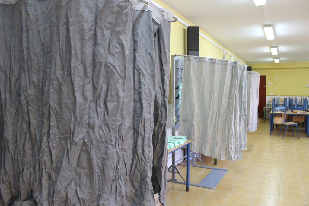 Pacma critica que en colegios de Sevilla y Jaén «no estaban colocadas» sus papeletas al inicio de la jornada