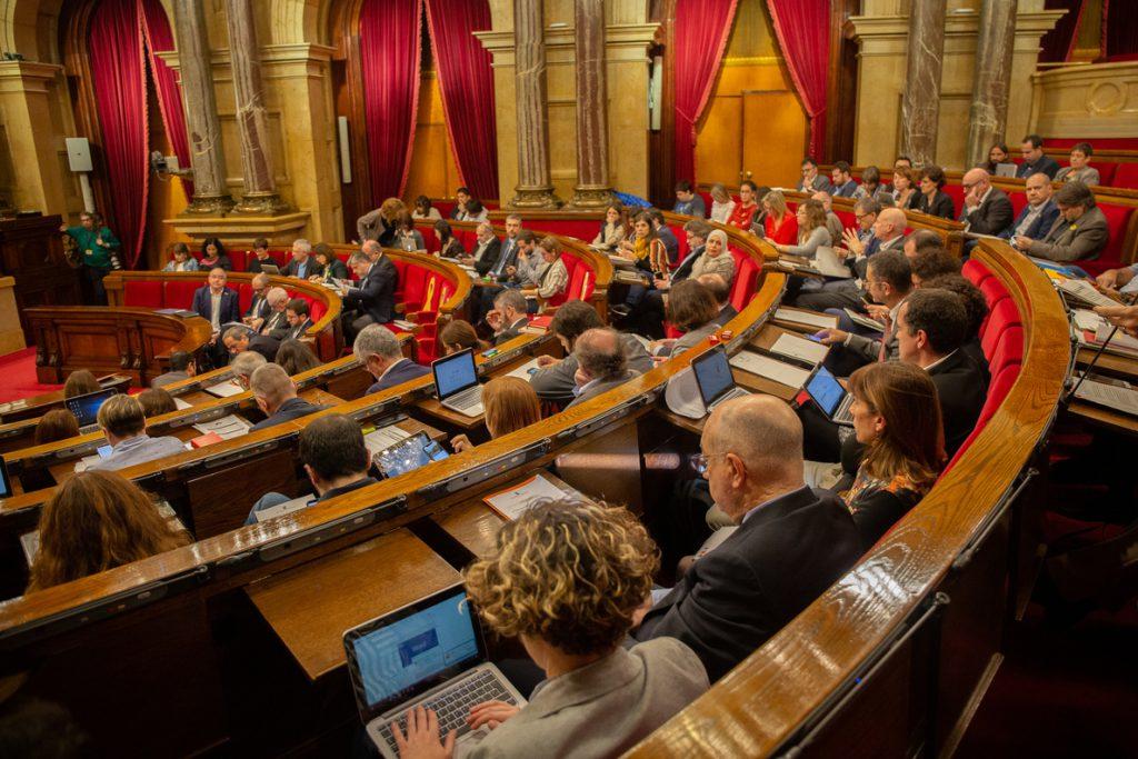 El Parlament activa este martes la comisión del 155 y citará a Rajoy y a Santamaría