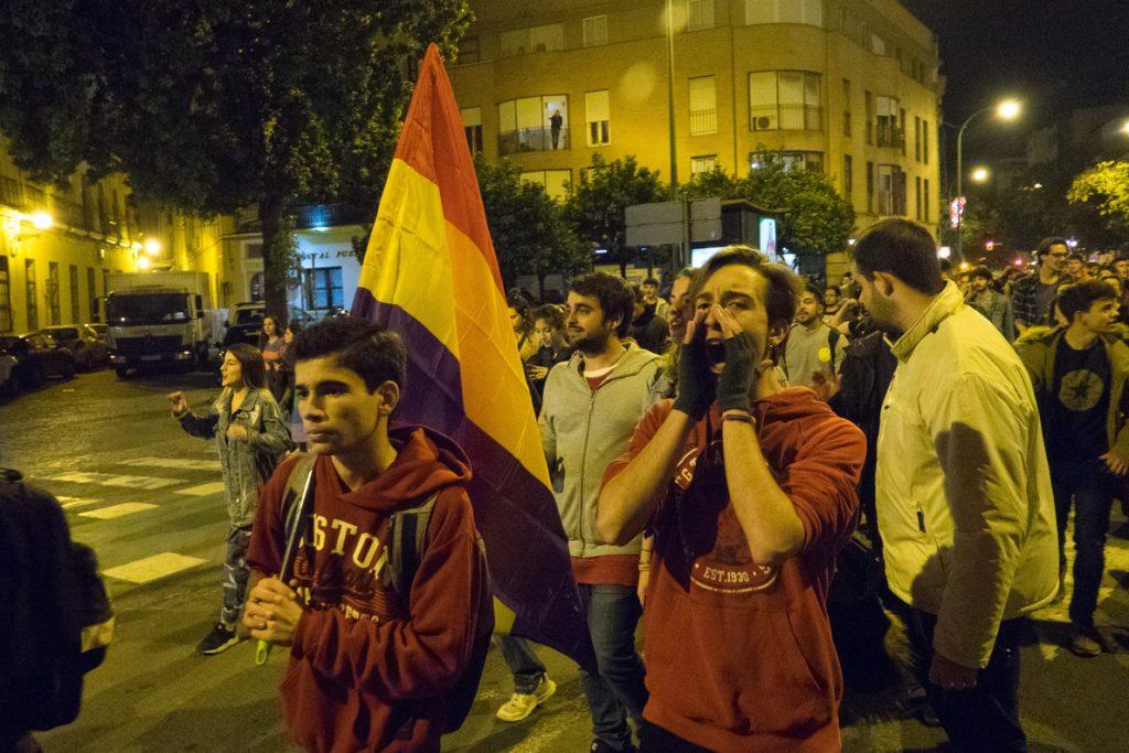 Manifestaciones antifascistas con miles de personas en varias capitales andaluzas tras los resultados de los comicios