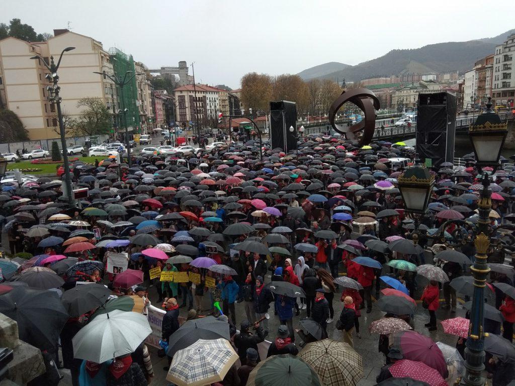 Pensionistas de Euskadi y Navarra solicitarán reunirse con el Gobierno central, que «no debe eludir su responsabilidad»