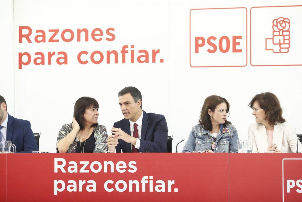 El desastre del 2-D desata los nervios en el PSOE sobre el momento idóneo para convocar las generales