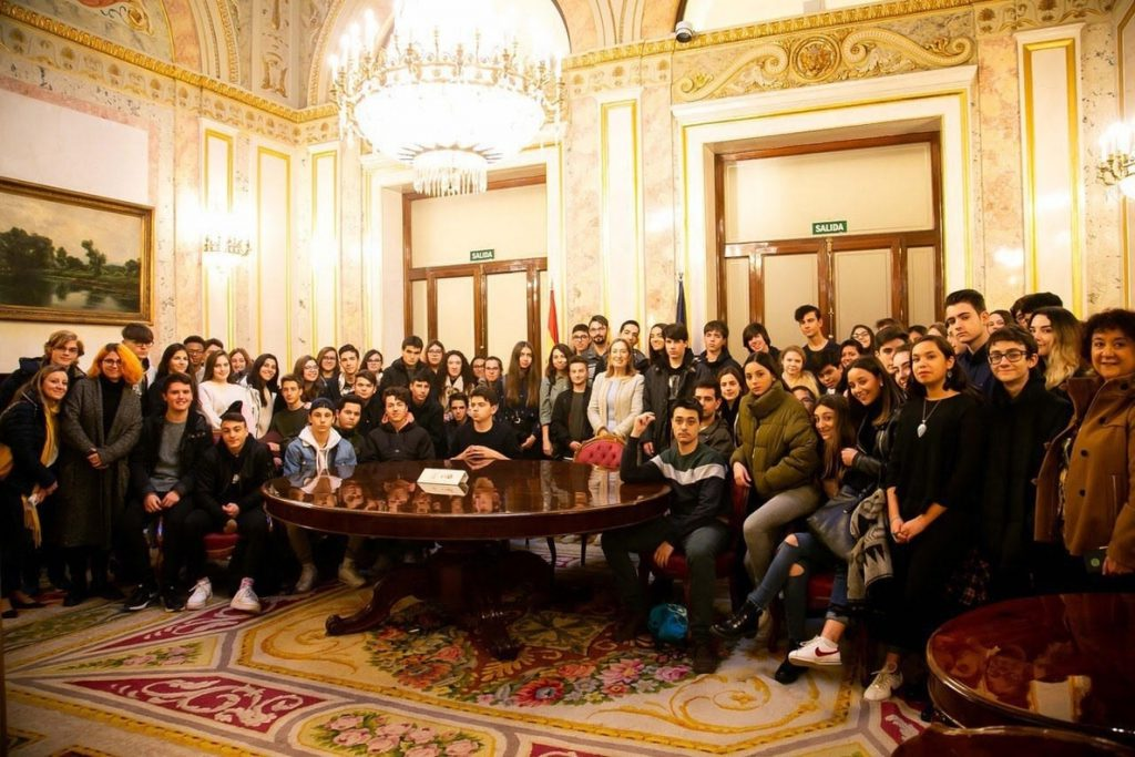 Alumnos de ESO y Bachillerato tuitean sobre la Constitución de 1978 en el Congreso
