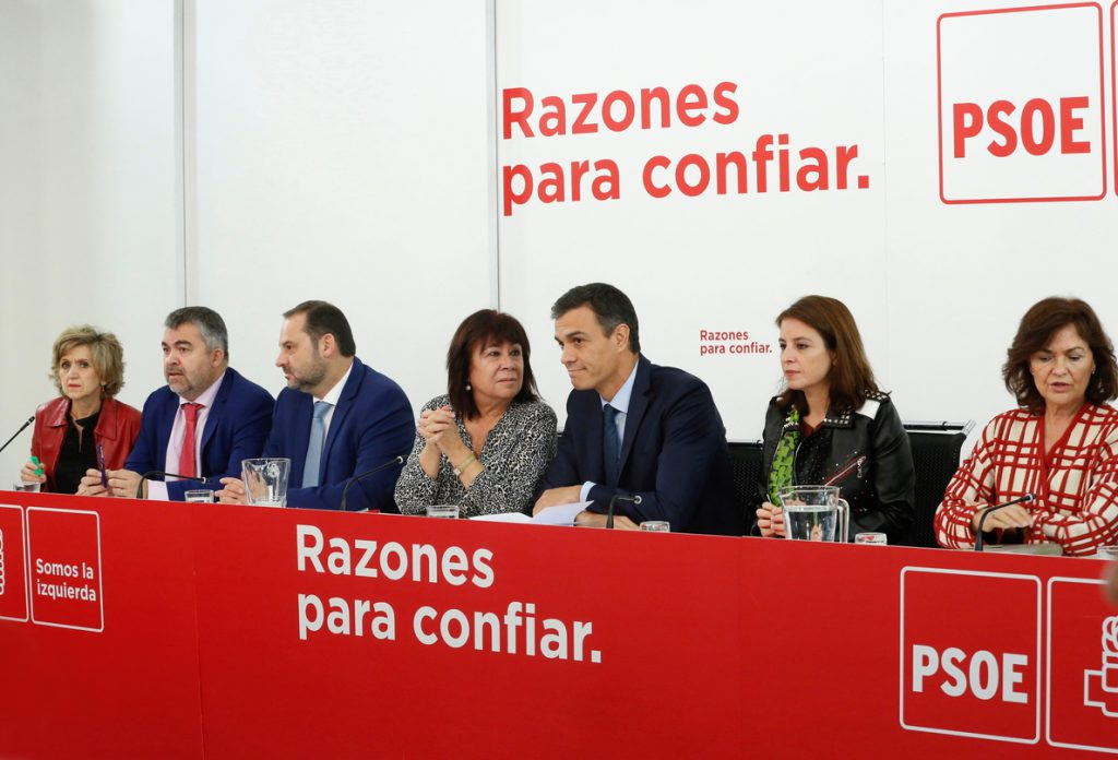 Ferraz rebaja el tono con Susana Díaz tras la caída en Andalucía