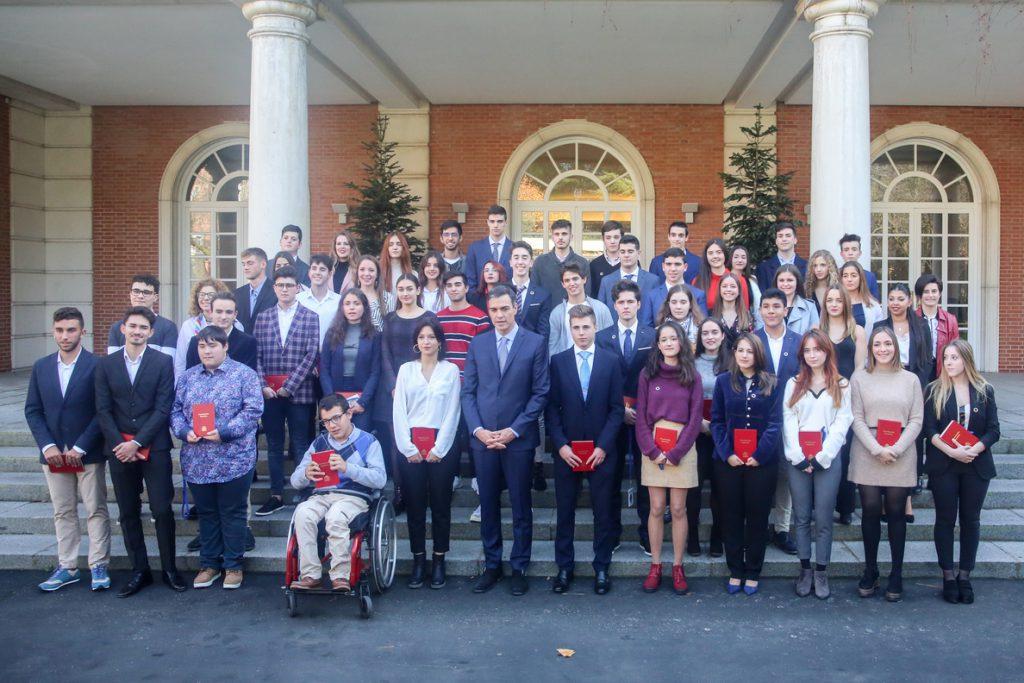 Pedro Sánchez llama a recuperar la confianza en las instituciones frente al «enfado y lejanía» de muchos jóvenes